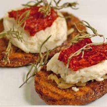 Keci-Peynirli-Italyan-Kanepesi.jpg.jpg