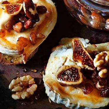 Keci-Peynirli-Kahvassltilik-Ekmek.jpg.jpg